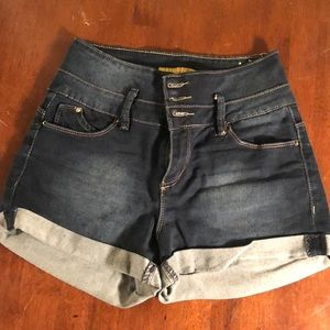 YMI High-wasted Jean shorts SZ 5